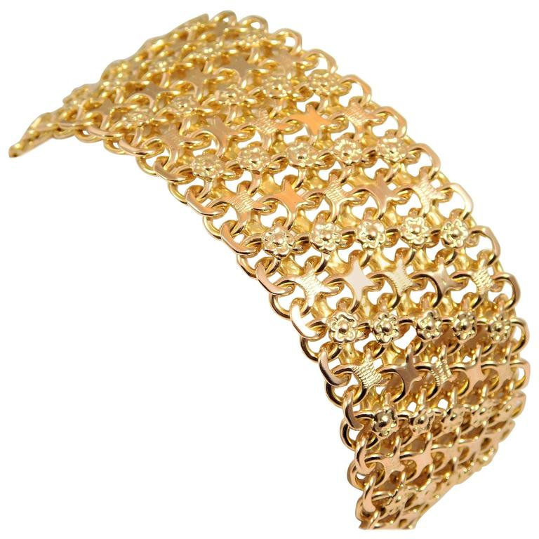 Intricate and Ornate Floral Design Gold Bracelet