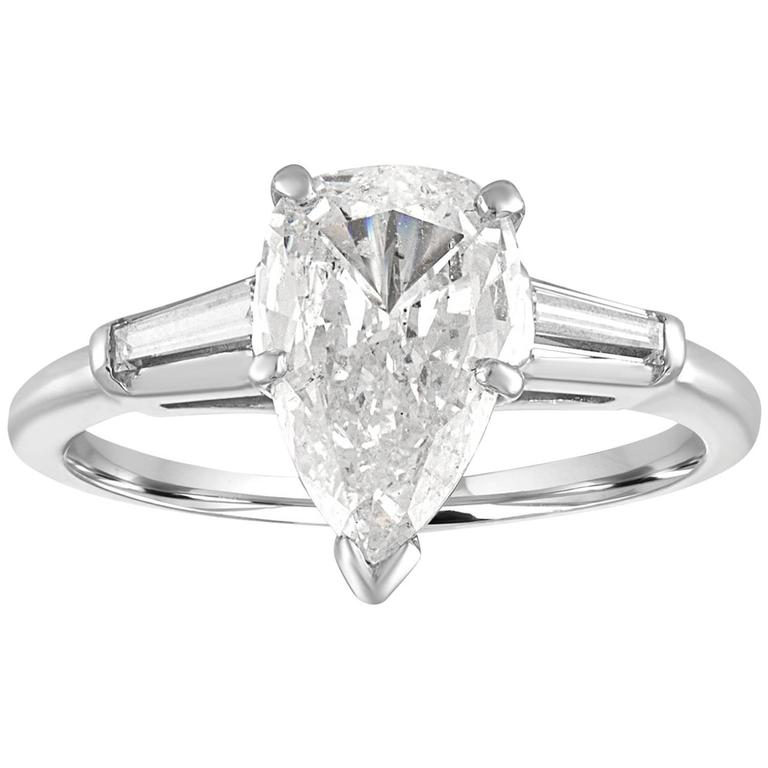IGI Certified 1.41 Carat Pear Shape Diamond Platinum Engagement Ring For Sale