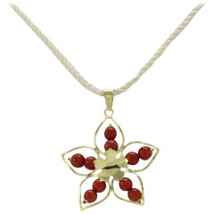 Luise Yellow Gold Star Pendant