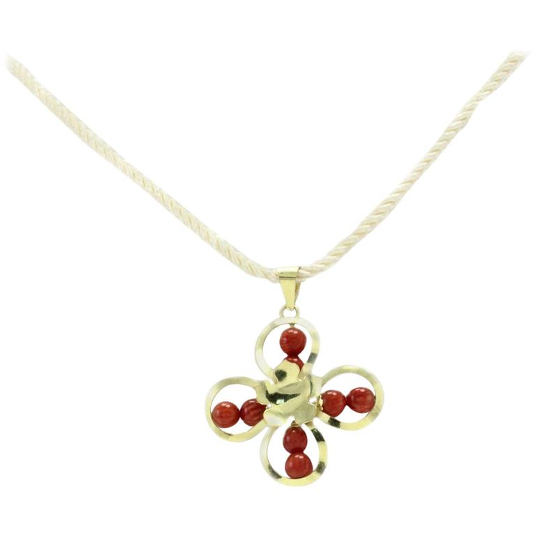 Luise Gold Flower Pendant