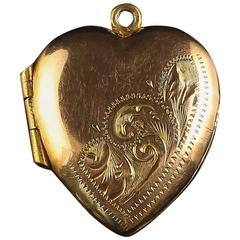 Antique Victorian Engraved Yellow Gold Heart Locket circa 1900