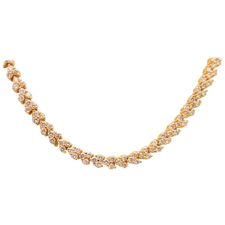 Magnificent Brilliant Diamond yellow Gold Necklace