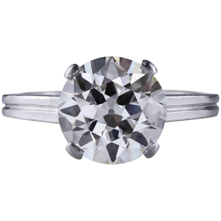 2.47 Carat Round Cut Diamond Platinum Solitaire Engagement Ring For Sale