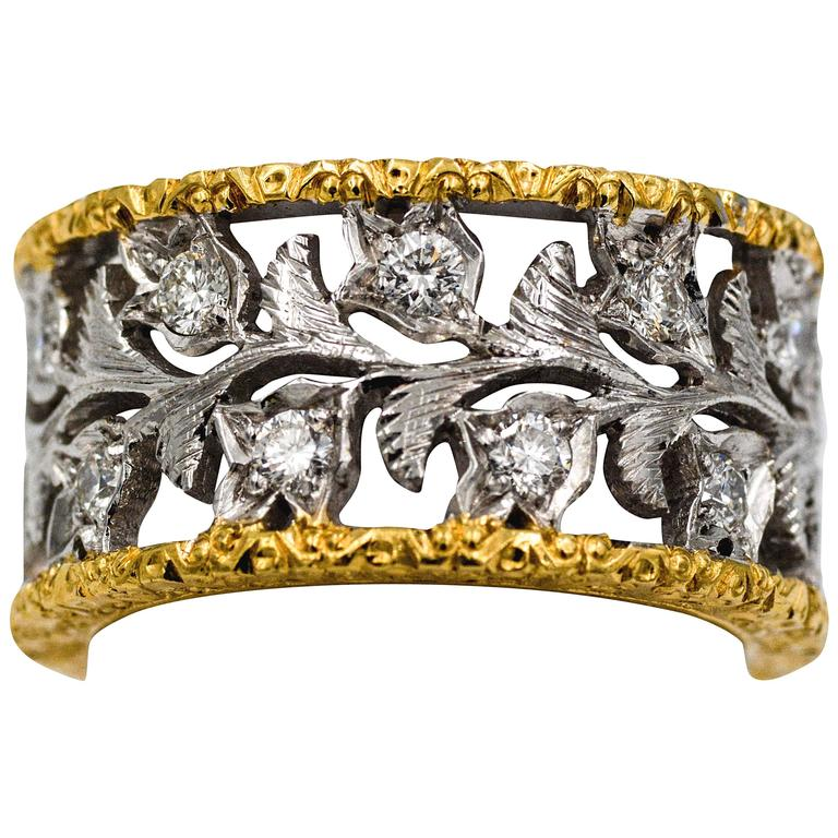 18 Karat Yellow and White Gold Hand Engraved Filigree Leaf Pattern Eternity Band