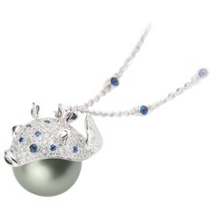 Pendant/Necklace Puffer Fish White Diamond Blue Sapphire Tahiti Pearl 18Kt Gold