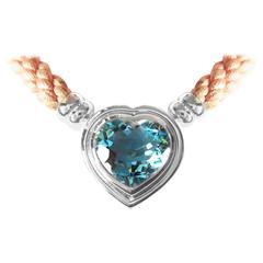Fine Aquamarine 18k Gold Clasp Pendant Necklace