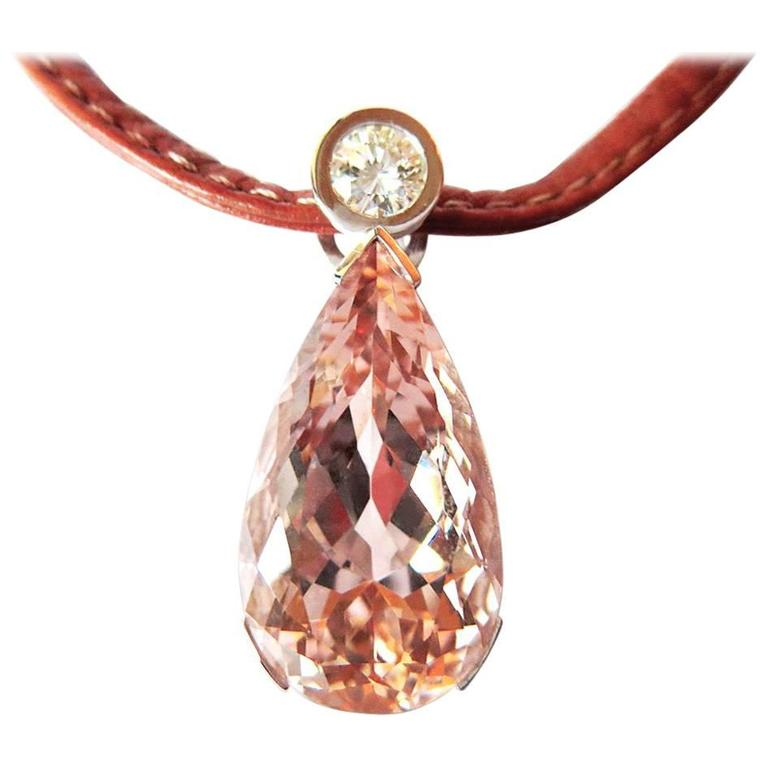 Fine Morganite Diamond 18 Karat Gold Pendant