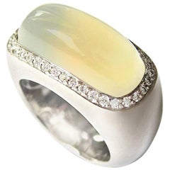 Fine Moonstone 18k White Gold Ring