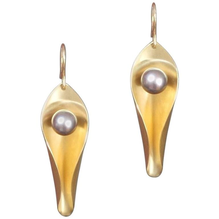 Elegant Pair Of Unique Modern Day To Night Pearl Gold Earrings For