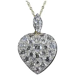 2.50 Carats Old Cut Diamonds Yellow Gold Heart Pendant and Chain, circa 1900