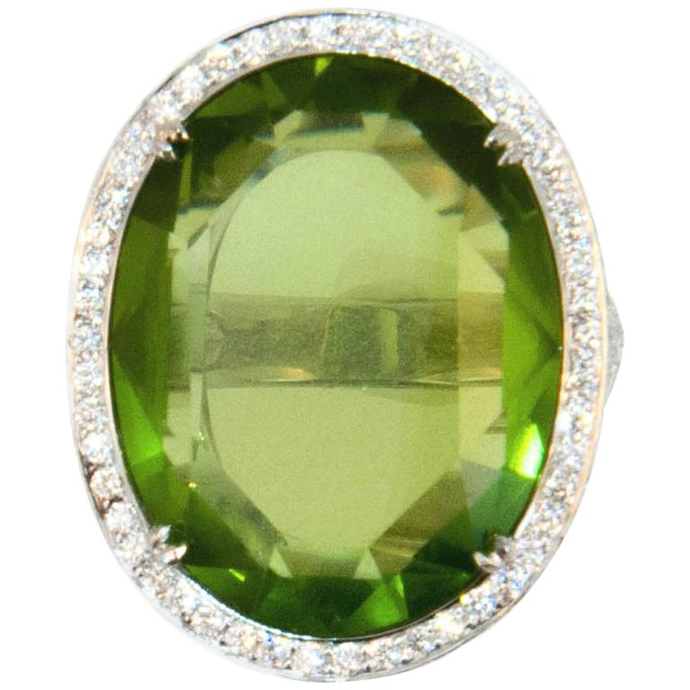 Laura Munder 27.44 Carat Peridot Diamond White Gold Ring For Sale