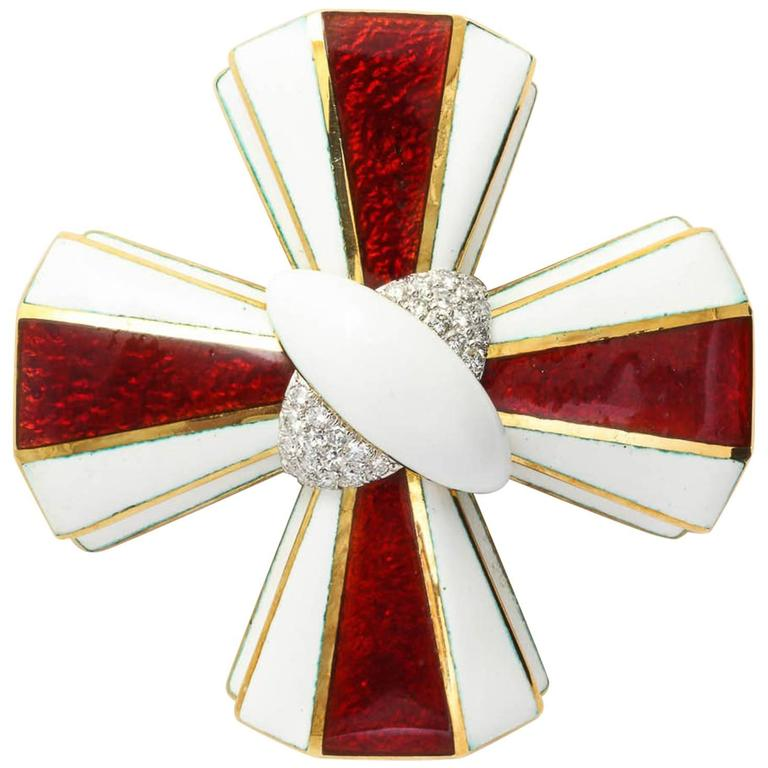 David Webb Maltese Cross Enamel Gold diamond Pin 1