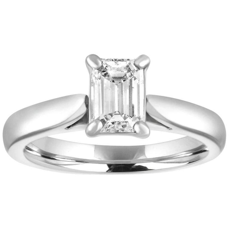 GIA Certified 0.71 Carat D VVS1 Diamond Solitaire Platinum Engagement Ring For Sale