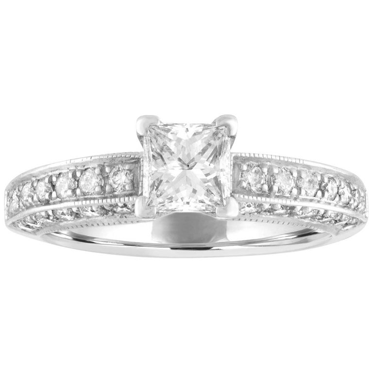 GIA Certified 0.71 Carat E VVS2 Diamond Platinum Gold Engagement Ring For Sale
