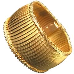 Yellow Gold Cuff Bracelet circa 1900s