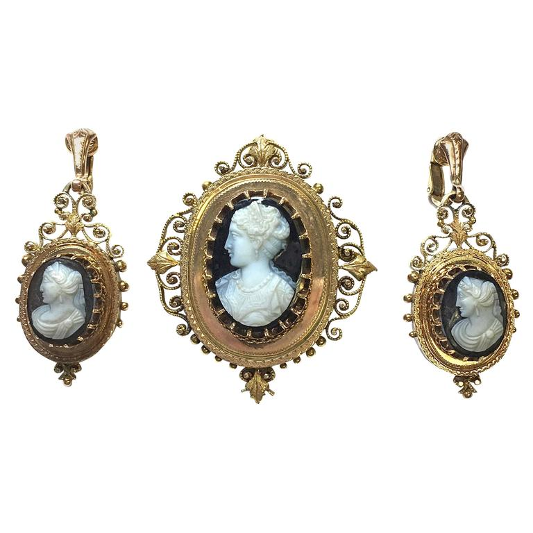 Victorian Onyx Cameo Gold Pendant Brooch and Earrings Ensemble For Sale