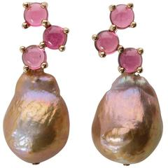 Biege Baroque Pearl Cabochon Pink Tourmaline 18 yellow Gold Earrings