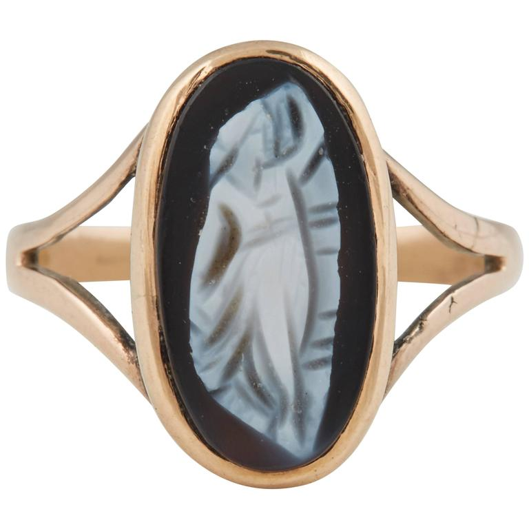 Gold Oval Cameo Ring, circa 1850