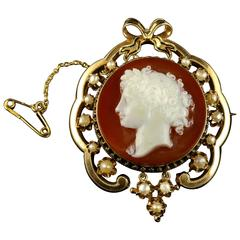 Antique Victorian Hardstone Cameo Brooch 15 Carat Gold Pearls