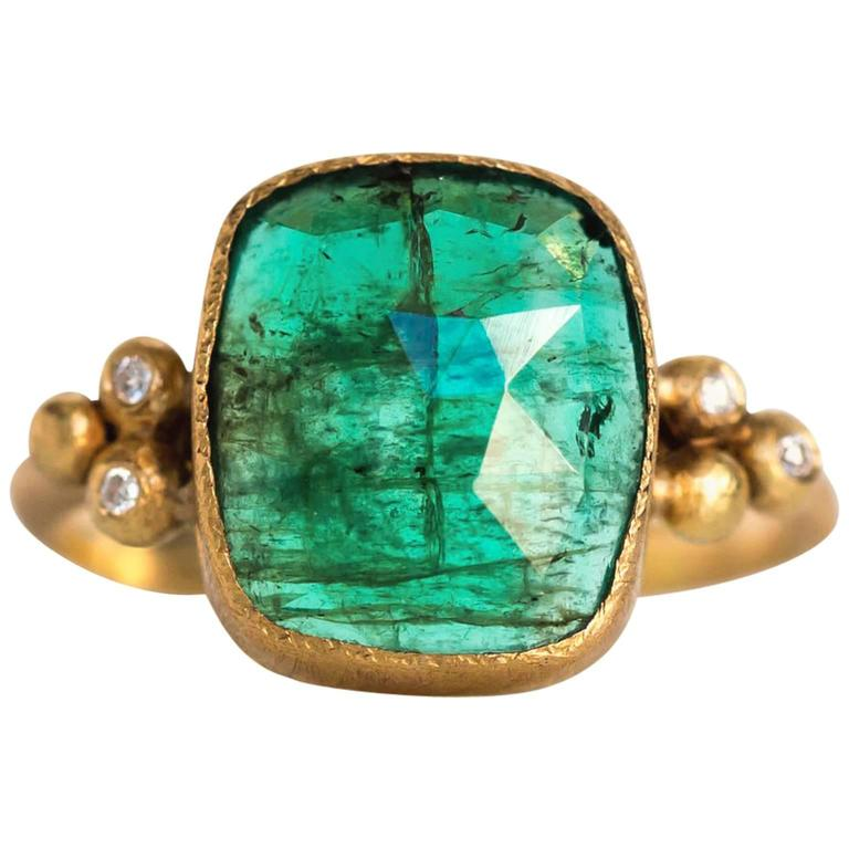 Emerald Diamond Hammered Yellow Gold Finish Ring For Sale