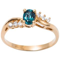 Oval Color-Changing Alexandrite Yellow Gold Ring with Certificate
