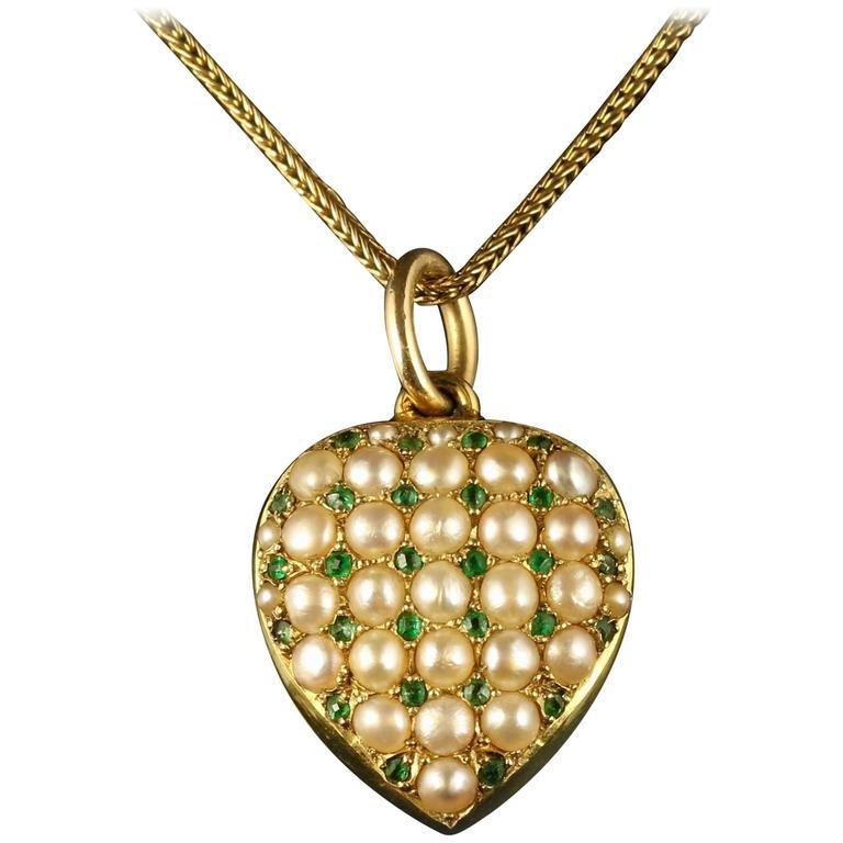 Antique Victorian Heart Locket Emerald Pearl 18 Carat Gold Necklace