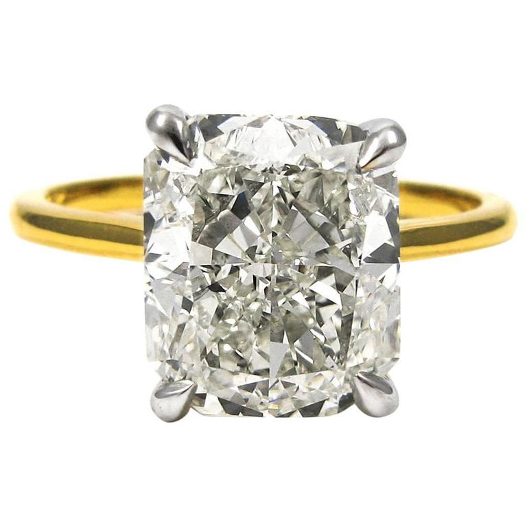 GIA Certified 4.01 Carat Radiant Cut Diamond Yellow Gold Solitaire Ring