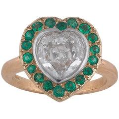 1,80 Carat Heart Diamond Green Garnet Cluster Ring
