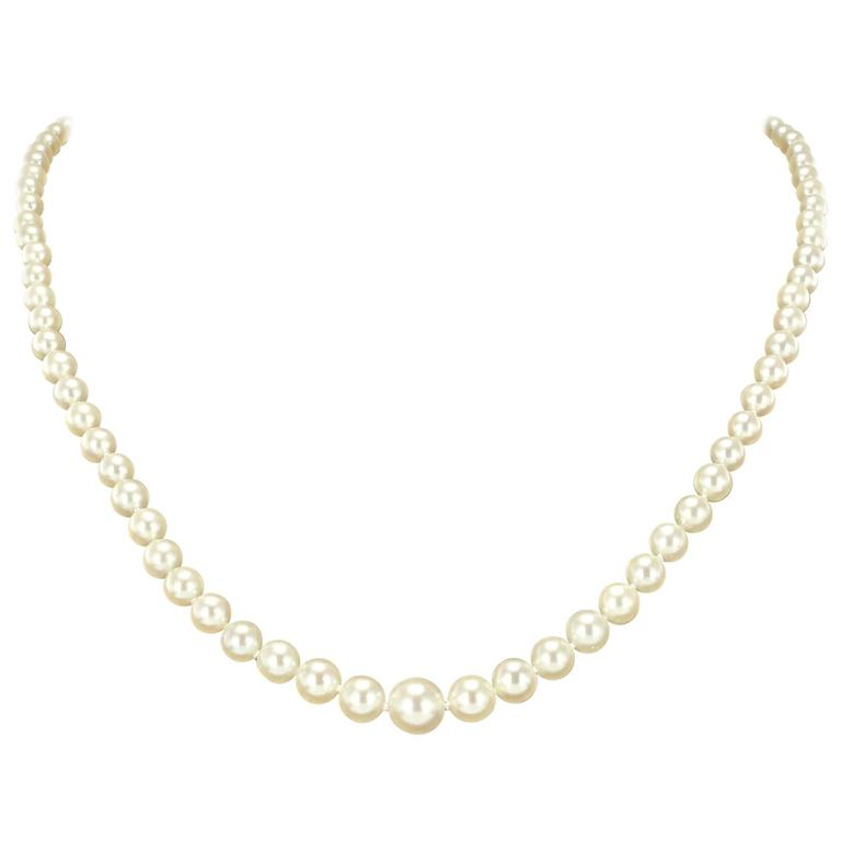 1930s Japanese Cultured Round White Pearl Necklace