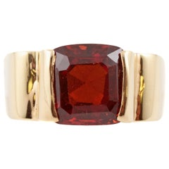8.50 Carat Red Garnet Yellow Gold Ring