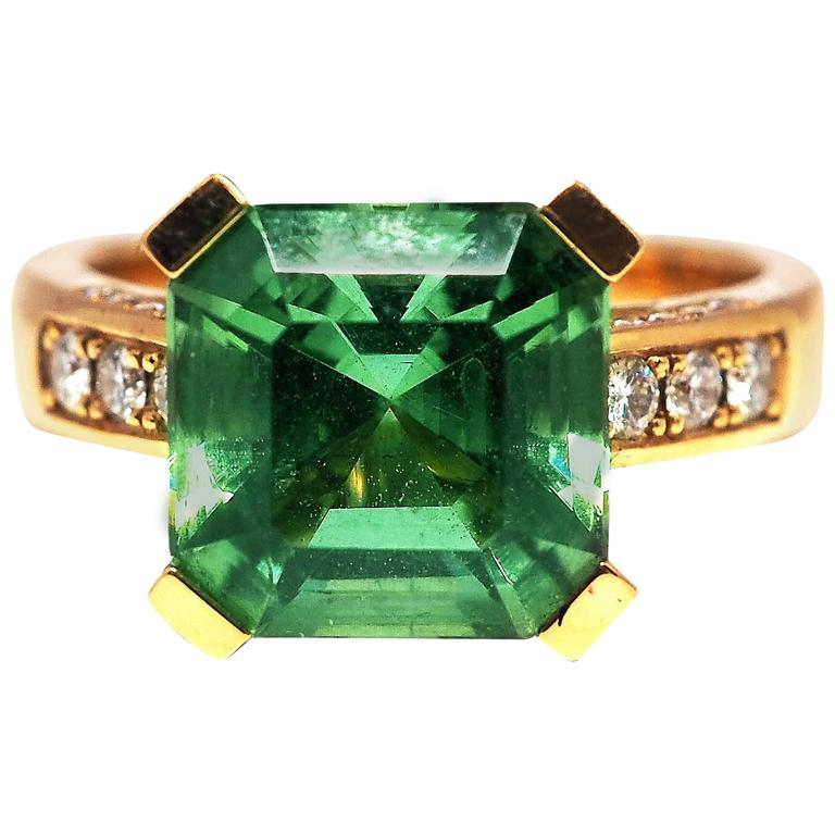 Fine Vivid Tourmaline Diamond 18K Gold Solitaire Ring
