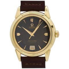 Omega Yellow Gold Seamaster Calendar Chocolate Wristwatch Model 2627, circa 1950