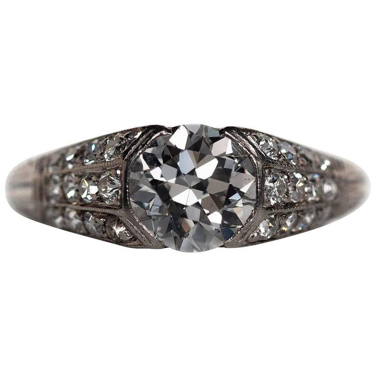 1920s Art Deco 1.18 Carat Diamond Platinum Engagement Ring