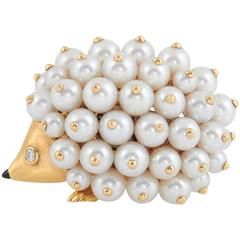 Chanel Pearl Gold Porcupine Pin