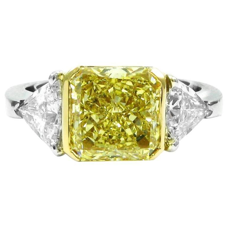 Gia Certified 3 23 Carat Fancy Yellow And White Diamond