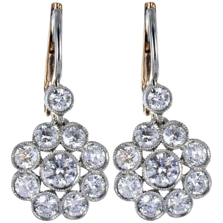 1.65 Carats Diamonds White Gold Floral Motif Earrings