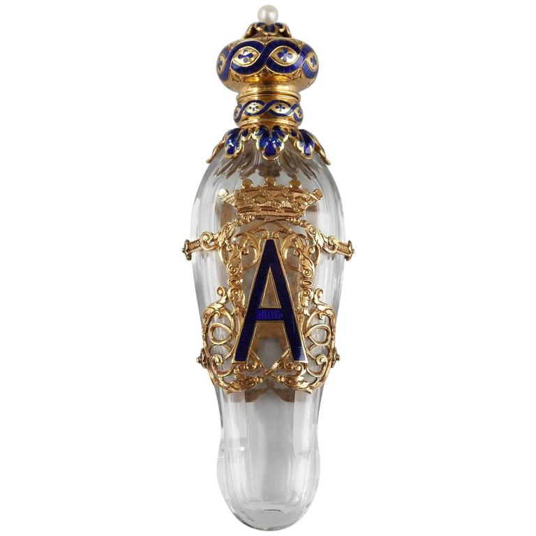 Late 19th Century Exceptional Crystal Flask with Enameled Gold Box 1