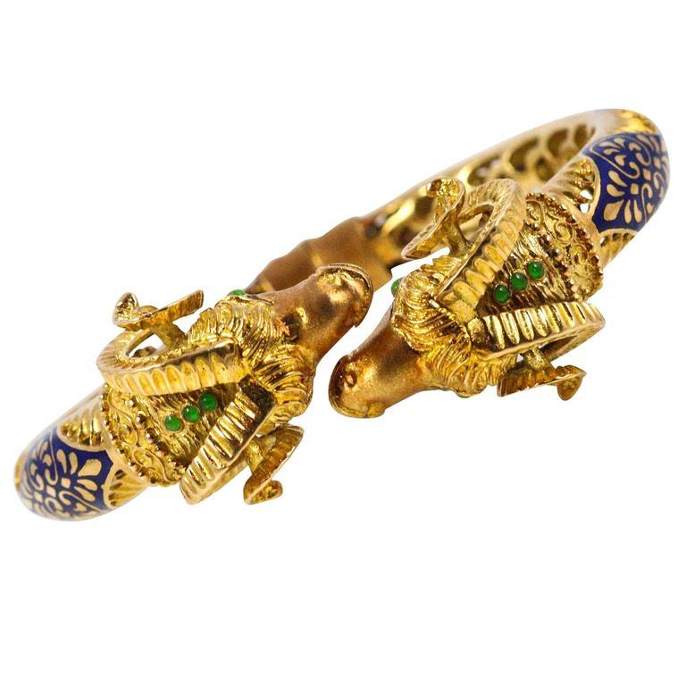 1960s Enamel Emerald Yellow Gold Ram's Heads Bangle Bracelet