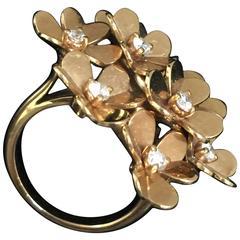 Van Cleef & Arpels Diamond Gold Eight Flowers Frivole Ring