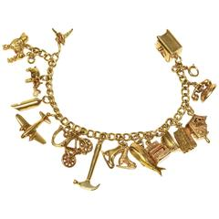 Fabulous Yellow Gold Moveable Charm Bracelet