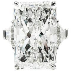 Impressive GIA Certified 12.25 Carat Radiant Cut Diamond Platinum Ring