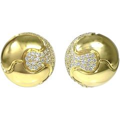 Large 3 Carats of Diamonds Yellow Gold Dome Earrings