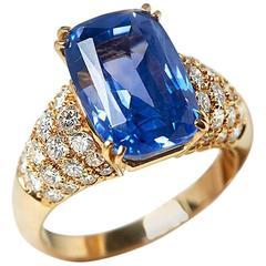 Van Cleef & Arpels 10.73 Carat Ceylon Sapphire Diamond Yellow Gold Cocktail Ring