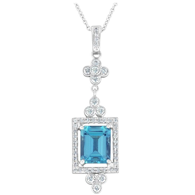 2.92 Carat Emerald Cut Aquamarine and Diamond Platinum Necklace