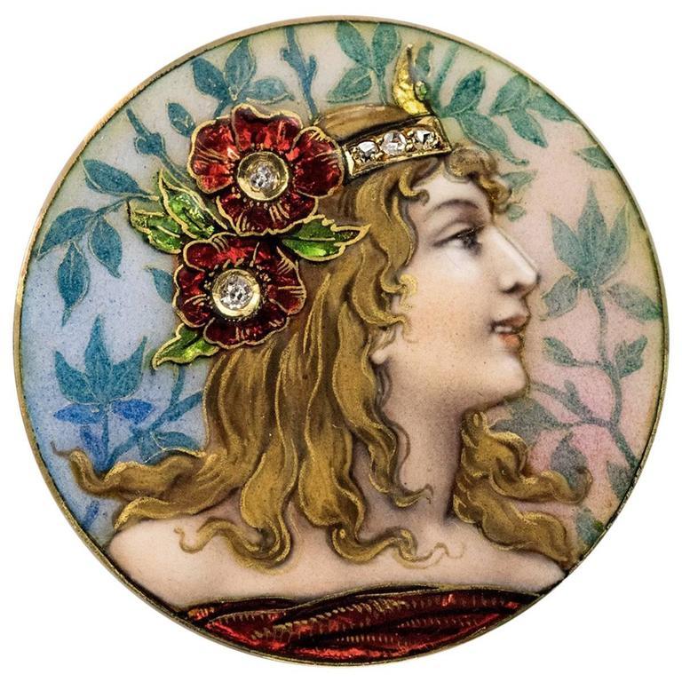 Art Nouveau Enameled Gold Brooch