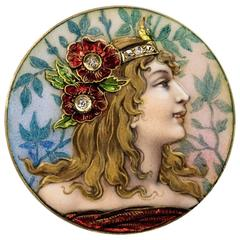 Art Nouveau Enameled Gold Brooch