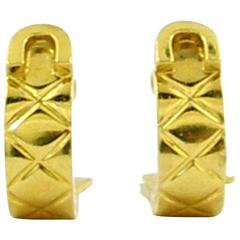 Chanel Yellow Gold Earrings