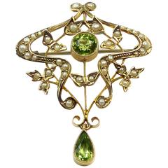 Antique Art Nouveau Pendant Brooch with Peridots and Pearls, circa 1900