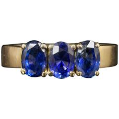 Antique Victorian 2 Carats Sapphires Gold Trilogy Ring
