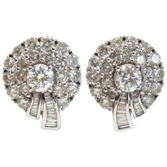 Impressive Gold 5.50 Carats Diamonds Gold Earrings